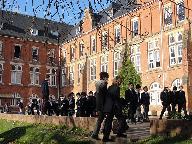 Colegio Internacional StJohns Alumnos